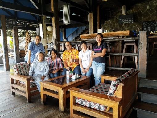 Menanti 4 orang lagi yang tersasar di Rumah Miring, Dago Giri, Bandung